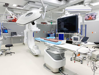 This hybrid operating room allows our medical care teams and specialists to seamlessly work together.